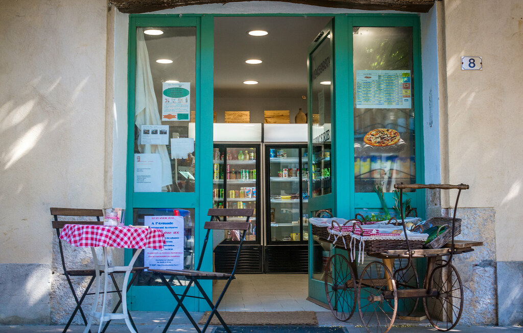La_Celle_commerce-2